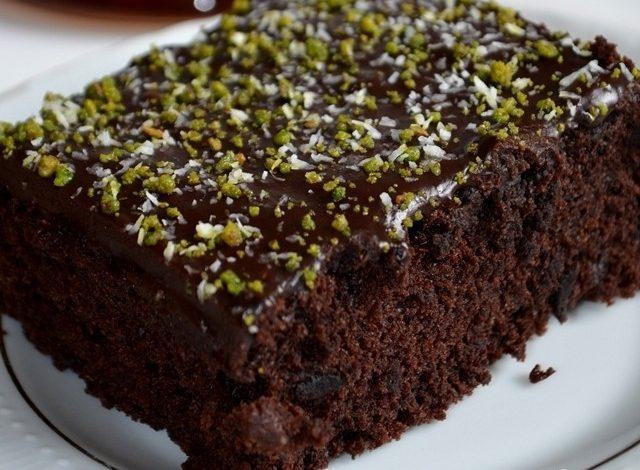 yumurtasiz-cikolata-soslu-kakaolu-kek