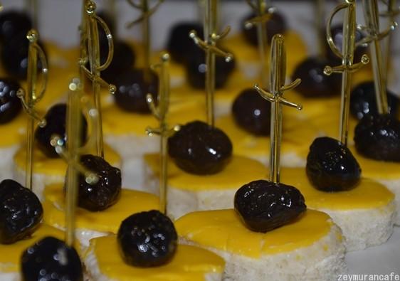 cheddar-peynirli-ekmekcikler