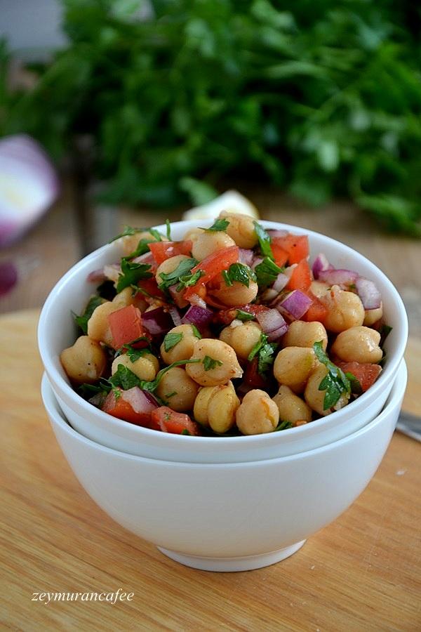 Nohut Salatası Tarifi ve Yapılışı